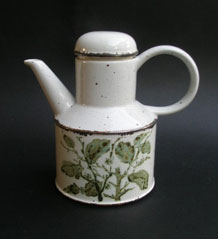 MIDWINTER STONEHENGE  GREEN LEAVES COFFEE  POT DESIGNED BY EVE MIDWINTER 1974