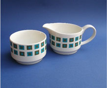 MIDWINTER STYLECRAFT MILK JUG AND SUGAR BOWL IN ' BERKELEY ' DESIGN BY JESSIE TAIT