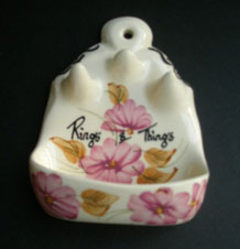 1960s TONI RAYMOND POTTERY 'RINGS AND THINGS' HAND-PAINTED HOLDER