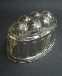 VINTAGE GLASS JELLY / BRAUN MOULD