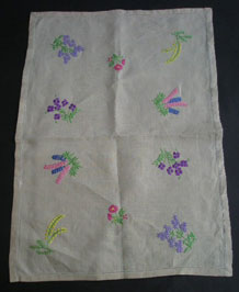 LINEN HAND EMBROIDERED TRAY CLOTH