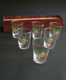 SIX 1960S BOXED ENAMELLED GLASSES IN ORIGINAL BOX