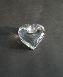 DARTINGTON GLASS HEART-SHAPED TOOTHBRUSH HOLDER DESIGNED BY FRANK THROWER