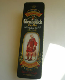 GLENFIDDICH CLAN STEWART WHISKY TIN
