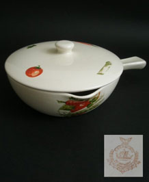 1960s EGERSUND NORWAY COVERED SERVING DISH WITH HANDLE