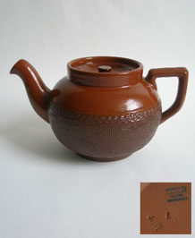 1930s DENBY / LANGLEY EARTHENWARE ONE AND A HALF PINT BROWN TEAPOT
