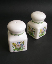 VINTAGE TAUNTON VALE LARGE SALT AND PEPPER