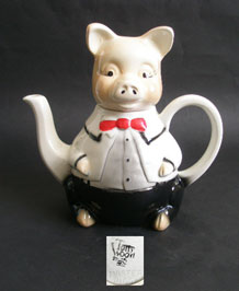 TONY WOOD STUDIO  HAND  PAINTED  ' MASTER  PIGGY'  FIGURATIVE TEAPOT