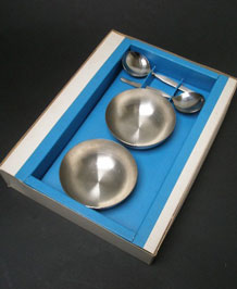 VINERS STAINLESS STEEL 4 PIECE SUNDAE SET IN ORIGINAL BOX- 1970s