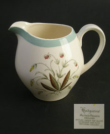 ALFRED MEAKIN HEDGEROW ONE PINT MILK JUG