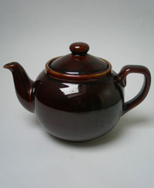 VINTAGE ARTHUR WOOD BROWN BETTY 2 PINT TEAPOT
