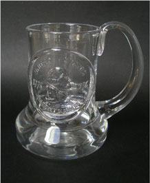 1976 DARTINGTON GLASS COMMEMORATIVE TANKARD (FT1) 'U.S. BICENTENNIAL' DESIGNED BY FRANK THROWER