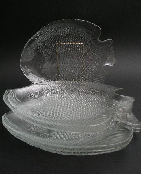 VINTAGE ARCOROC GLASS (FRANCE) SIX FISH PLATES - A Pretty